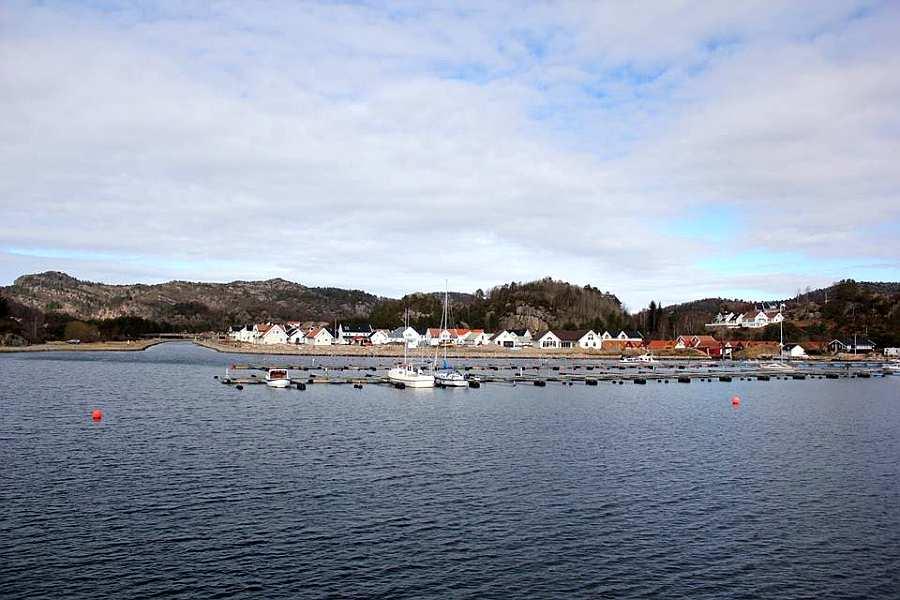Gleich neben dem Bootshafen Båly beginnt der bekannte Spangereid-Kanal