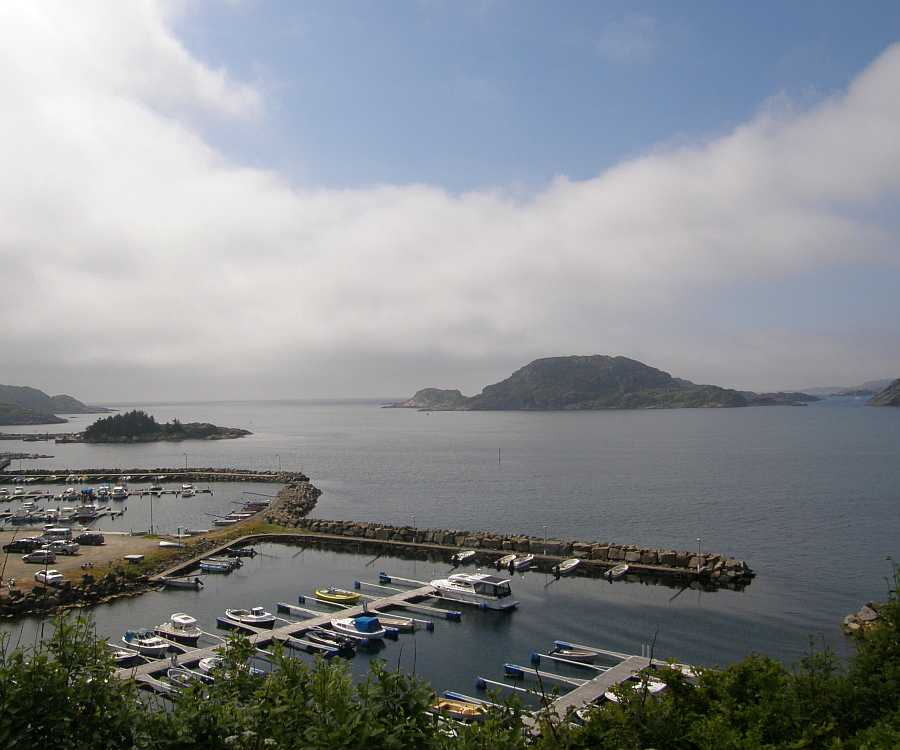 Hier im Bootshafen von Korshamn liegt Ihr Angelboot an einem eigenen Liegeplatz.