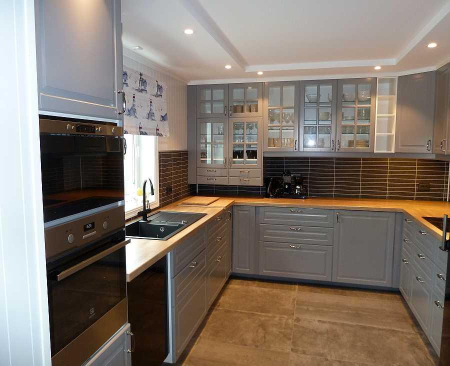 Die komplett ausgestattete Küche der Ferienwohnung (Wohnung Beate-2-Erdgeschoß)