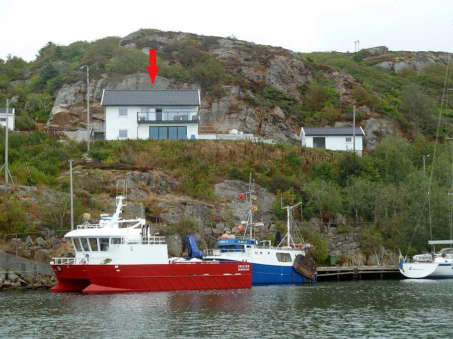 Ferienwohnung Beate  - Lage am Meer, rechts ist das separate Filetierhaus zu sehen