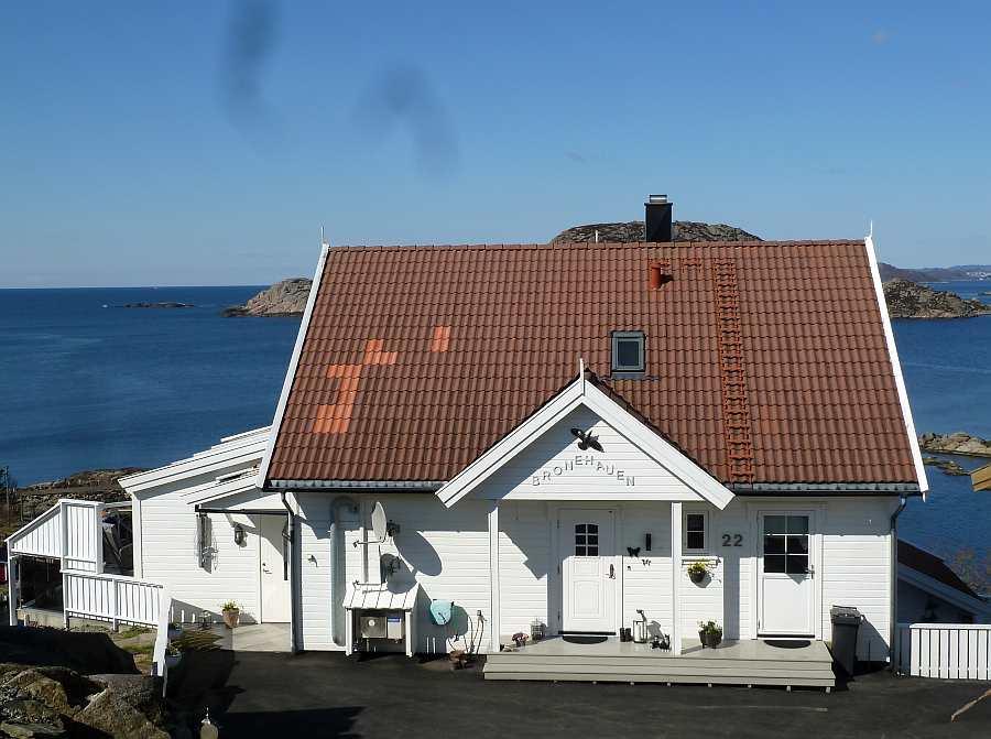 Ferienwohnung >Bronehauen< im Ort Korshamn bei Kap Lindesnes - die Wohnung mit eigenem Eingang befindet sich im Erdgeschoß des Hauses
