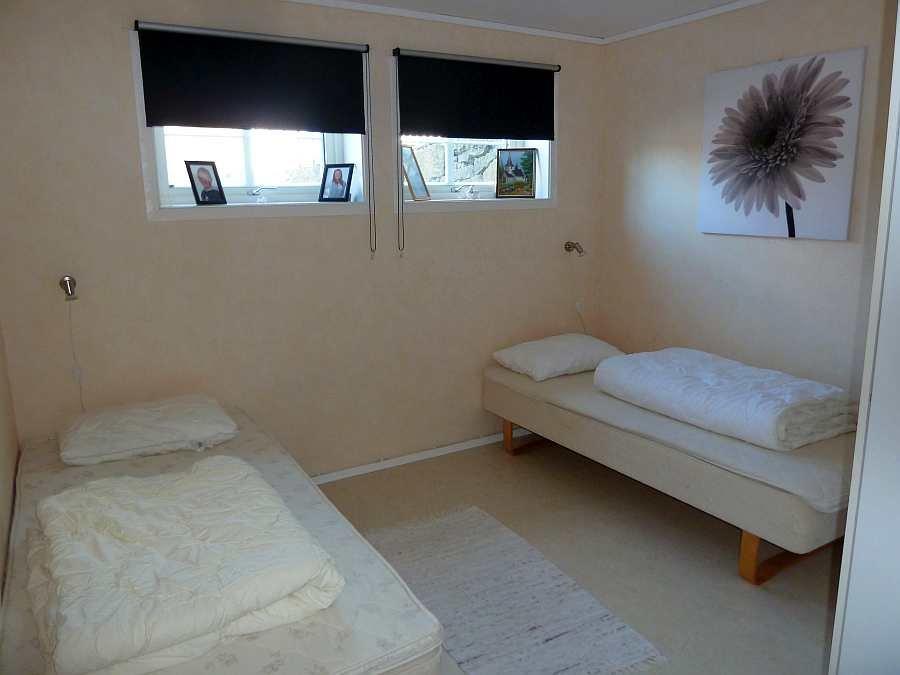 Schlafzimmer Nummer drei mit 2 Einzelbetten (auch hier auf Wunsch zu einem Doppelbett zusammenstellbar)
