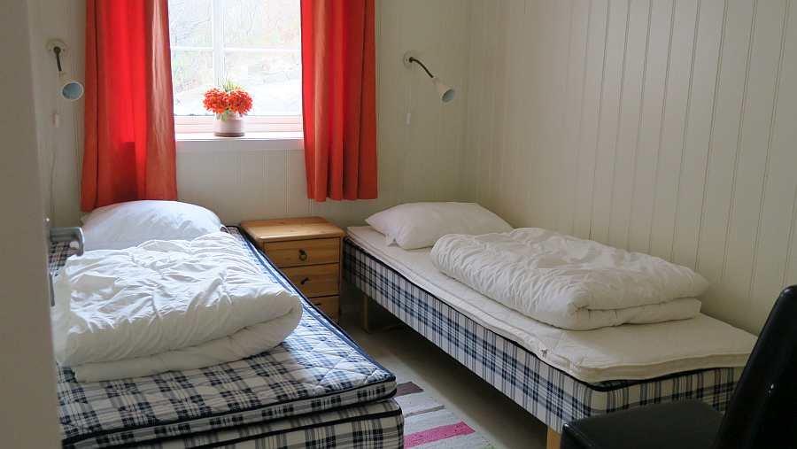 Das zweite Schlafzimmer mit zwei Einzelbetten