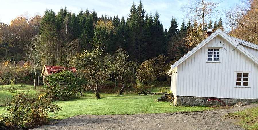 Viel Platz auch im Außenbereich - das Ferienhaus Epledal bietet Platz für bis zu acht Personen