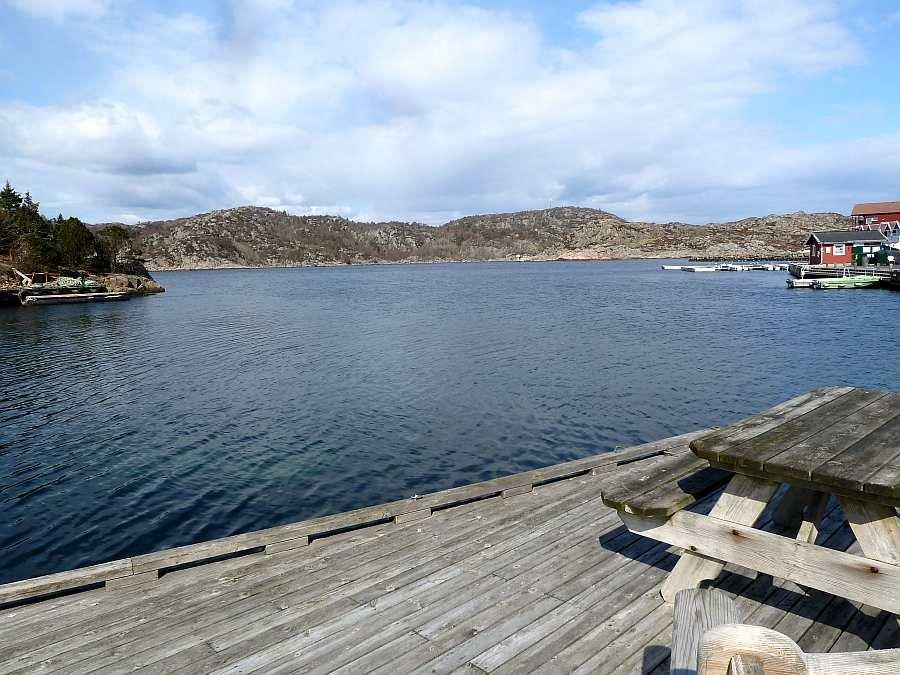 Blick von der Terrasse in den Eingang des Grønsfjord