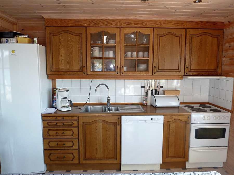 Die Küche ist komplett eingerichtet - von der Mikrowelle bis zum Geschirrspüler - hier ist alles vorhanden