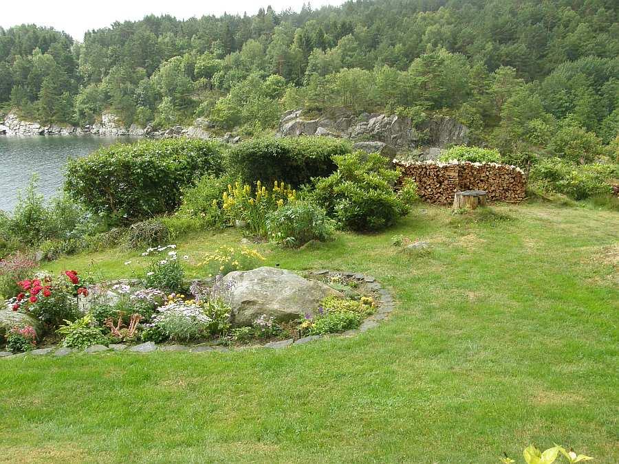 Das Haus liegt auf einem wunderschönen Gartengrundstück