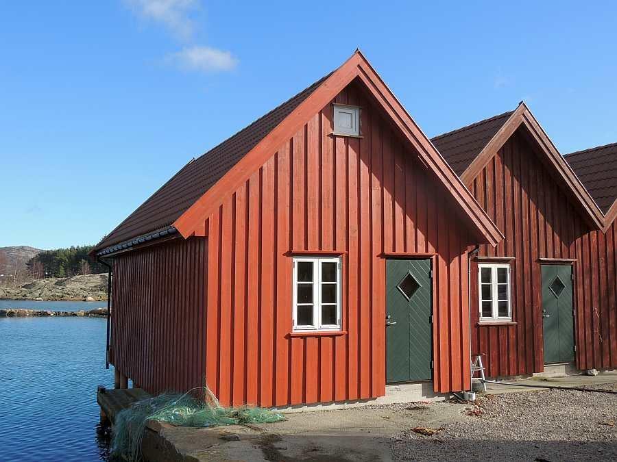 Ein eigenes Bootshaus mit Bootsanleger gehört auch zum Haus