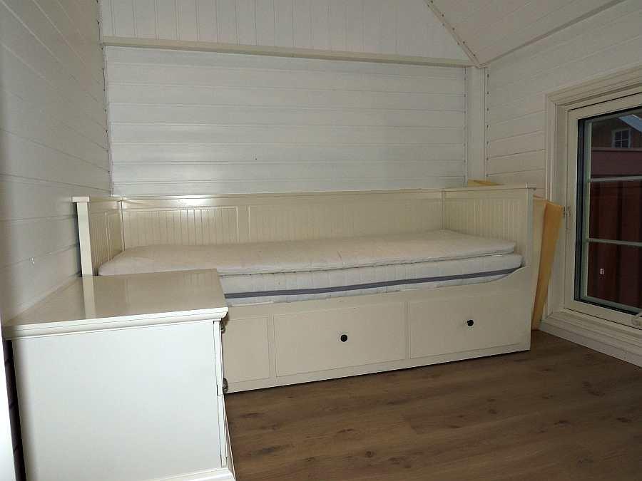 Einzelbett in einem anderen Schlafraum