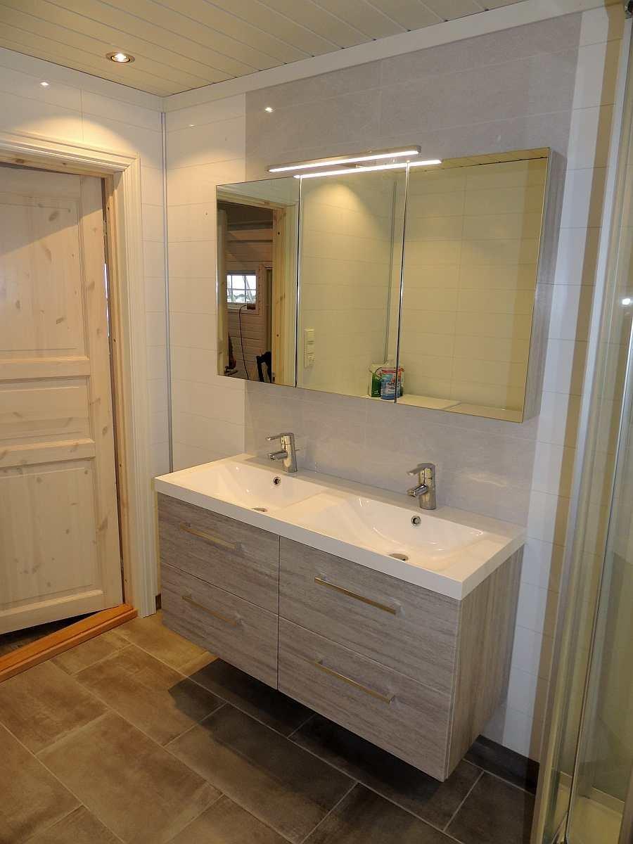 Praktisch - das Doppelwaschbecken im Bad
