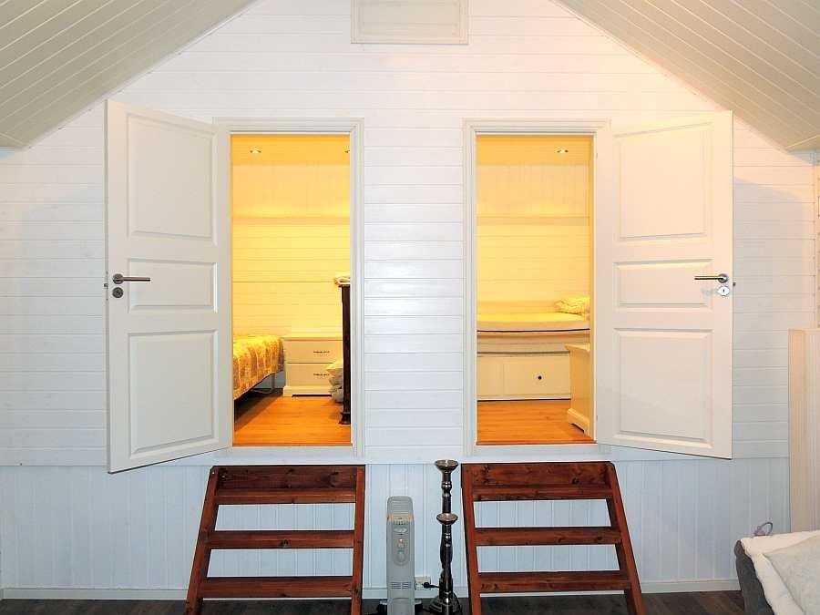 Blick in zwei der Schlafzimmer des Ferienhauses