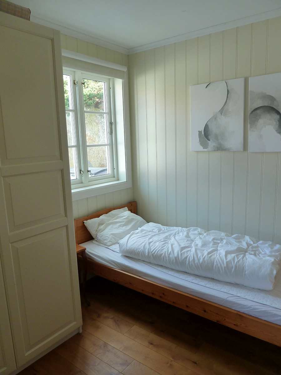 Das kleinere Schlafzimmer mit 2 Einzelbetten