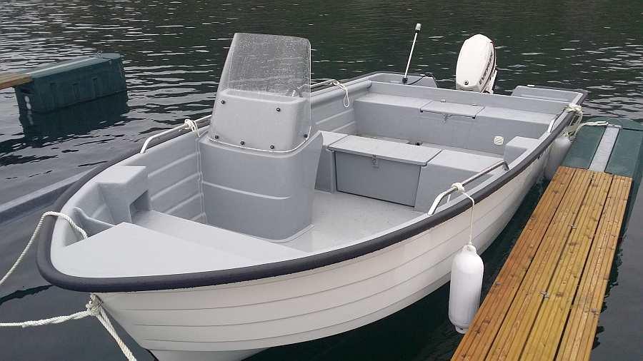 Das buchbare Angelboot: Angelboot >Sting< 18 Fuß/30 PS, 4-Takter, E-Starter, Steuerstand, Echolot