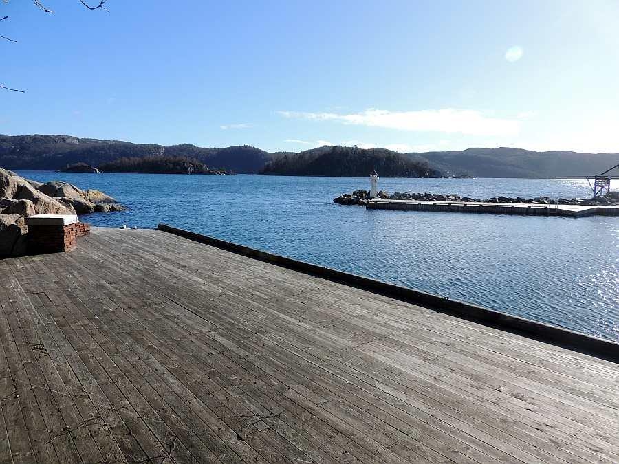 Blick vom großen Steg des Ferienhauses auf den Grønnsfjord