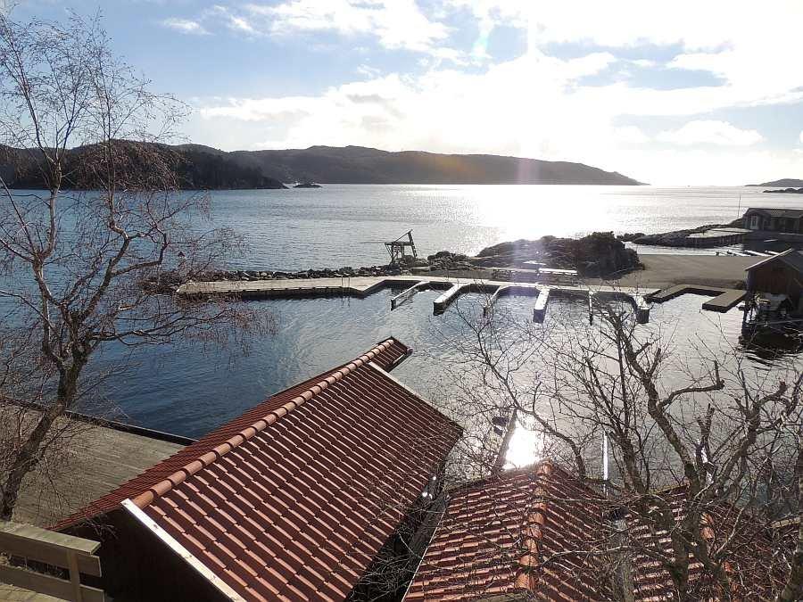 Blick vom Haus auf den Bootshafen