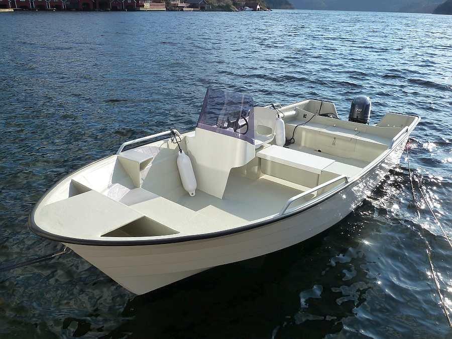 Bereits im Preis enthalten: Angelboot Øien 20,5 Fuß/70 PS, 4-Takter, e-Starter, Steuerstand, Farbecholot