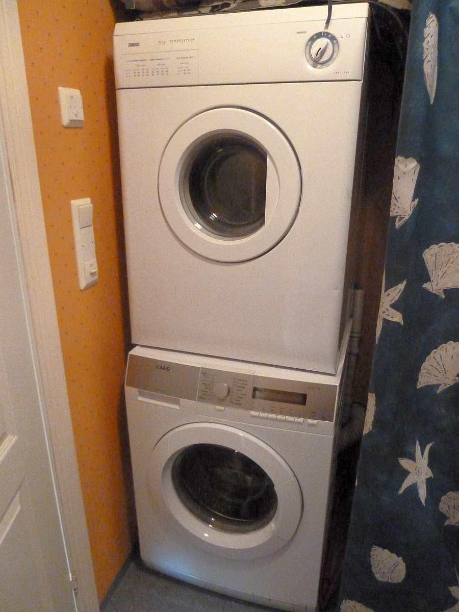 Hier stehen außerdem eine Waschmaschine und ein Wäschetrockner zur Verfügung