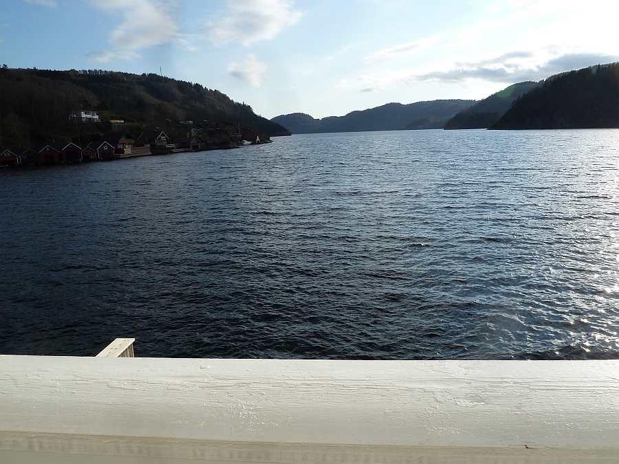 Blick vom Balkon auf den Fjord