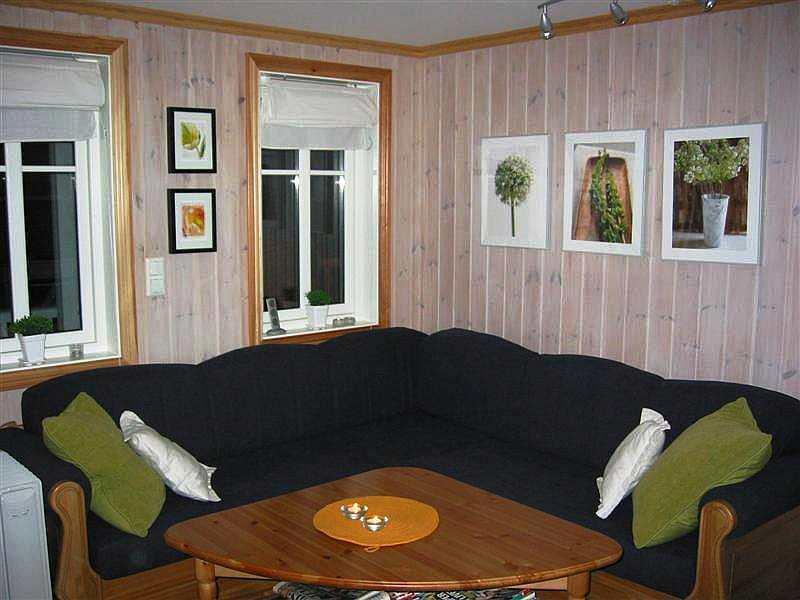 Typ 1 - Beispielbild - Ein gemütliches Wohnzimmer für die Abendstunden.