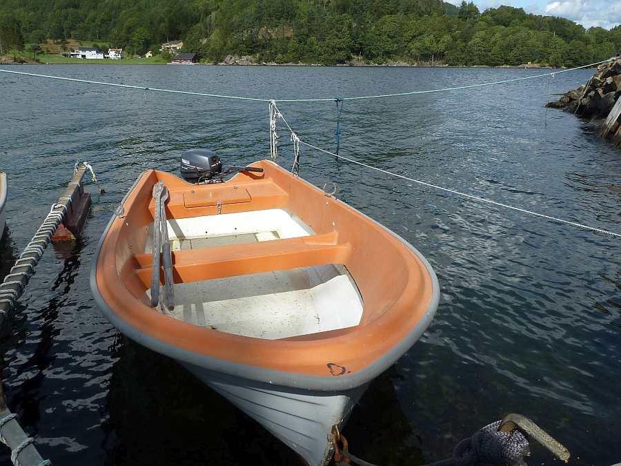 Optional zusätzlich buchbar: Angelboot  >Askeladden< 14 Fuß/9,9 PS, 4-Takter. Ein ideales Boot zum Fischen im Fjord