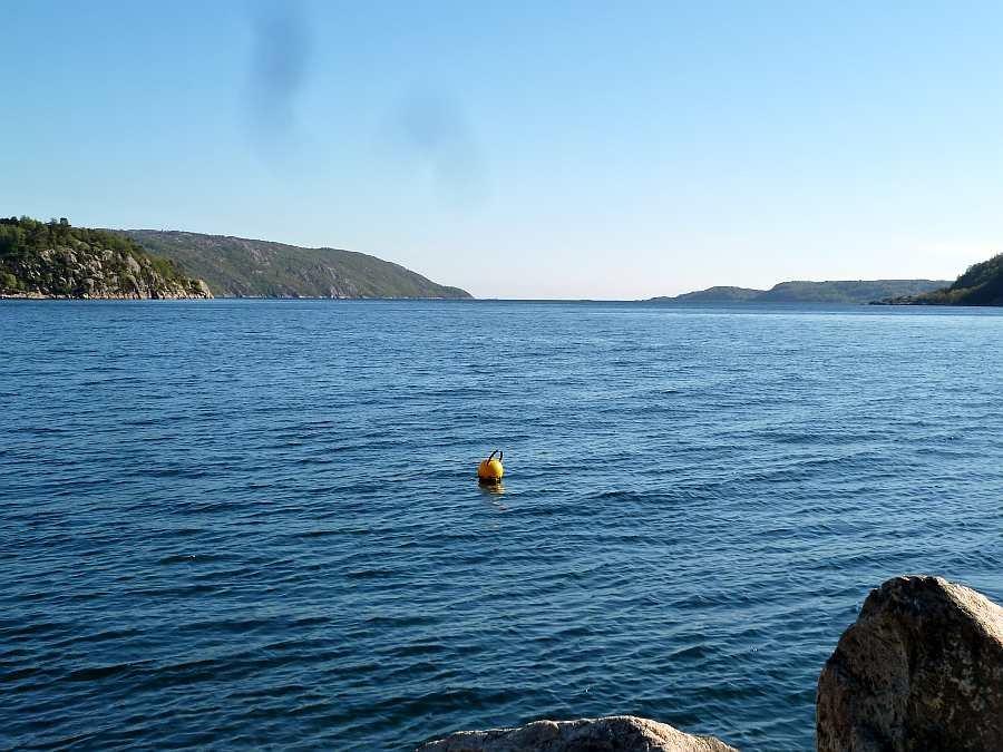 Blick aus dem Grønnsfjord zum Ausgang zum offenen Meer bei Korshavn