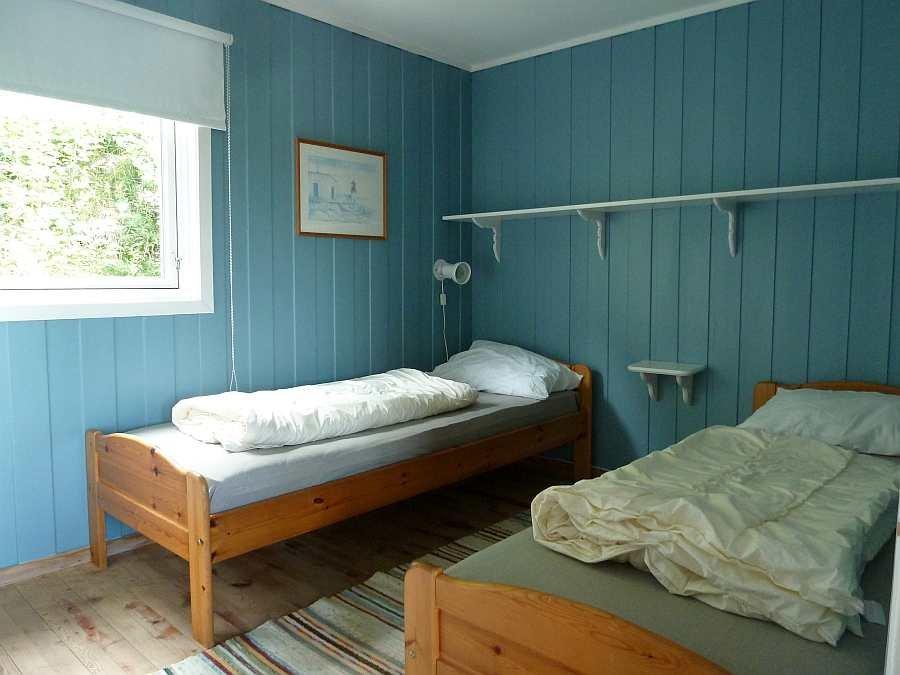 Das Schlafzimmer mit 2 Einzelbetten (diese können bei Bedarf zu einem Doppelbett zusammen gestellt werden)