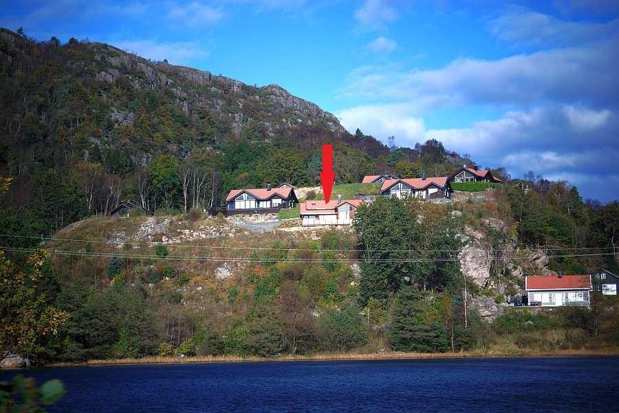 Vom Ferienhaus hat man einen fantastischen Blick auf den Fjord