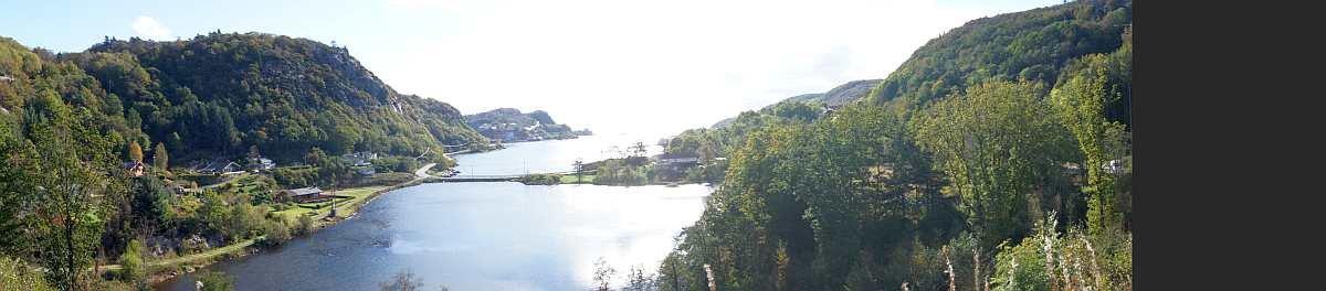 Blick vom Haus auf den Fjord