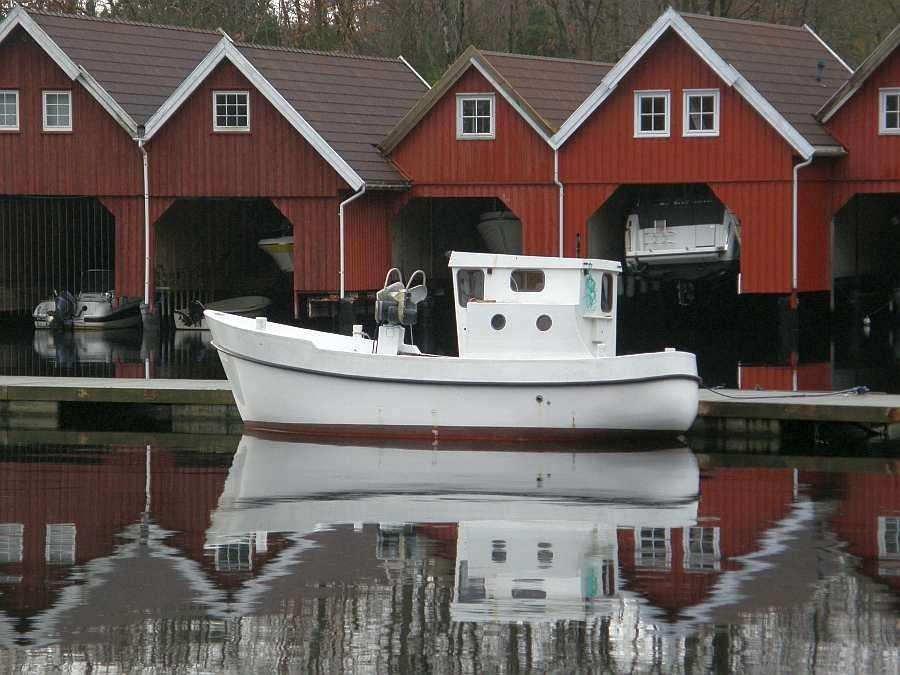 Das große buchbare Dieselboot 25 Fuß/38 PS Innenborder, Kajüte, Echolot, GPS/Kartenplotter