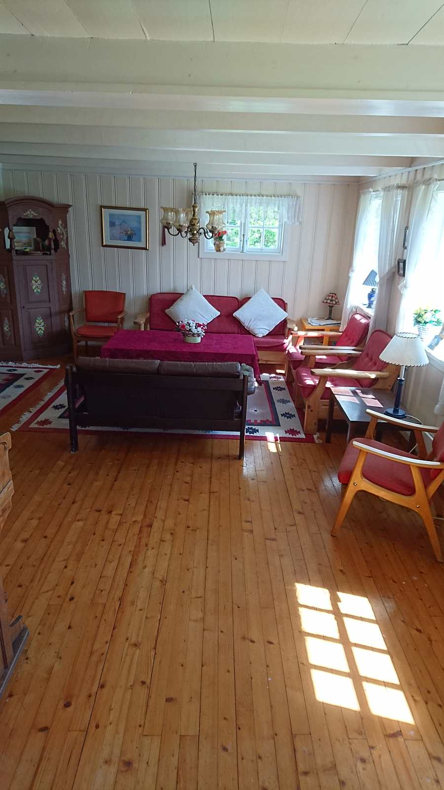 Das Wohnzimmer ist fast 38 qm groß