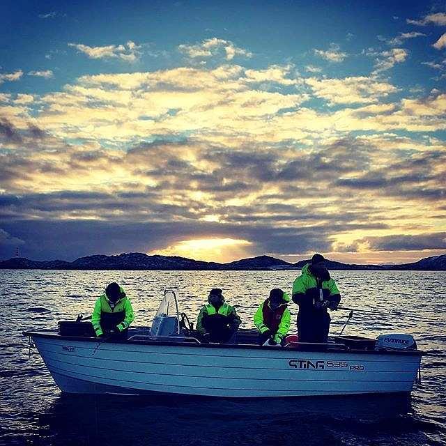 Abendstimmung beim Angeln auf dem Grønnsfjord