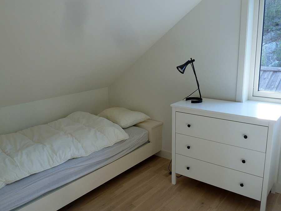 Das zweite Schlafzimmer im Obergeschoß mit 2 Einzelbetten (eines der Betten ist 140 cm breit)