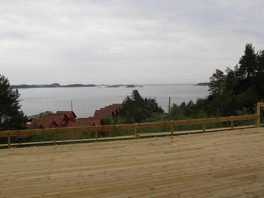 Blick von der riesigen Terrasse auf das Meer (Terrasse hier noch in Bau)