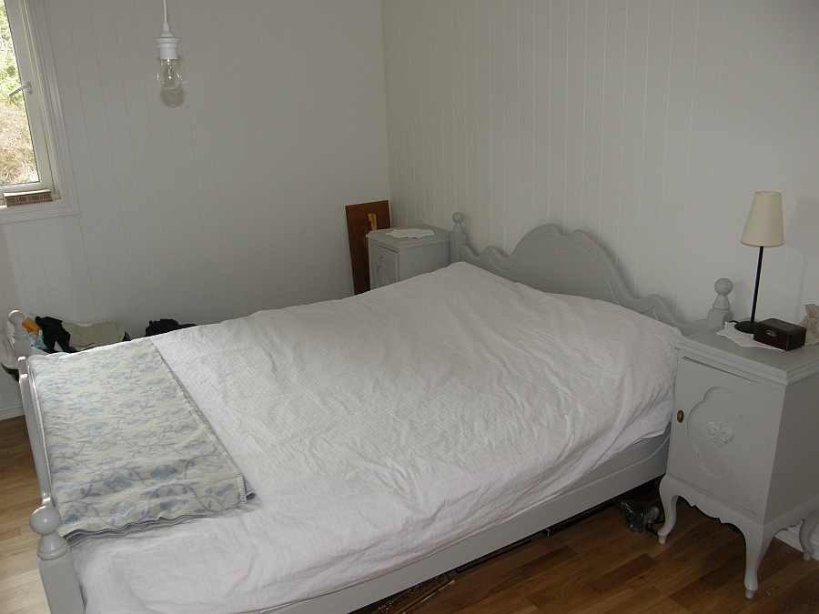 Eines der vier Schlafzimmer - hier mit einem Doppelbett