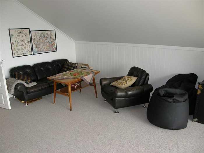 Ein zweiter Sitzbereich im Obergeschoss des Hauses