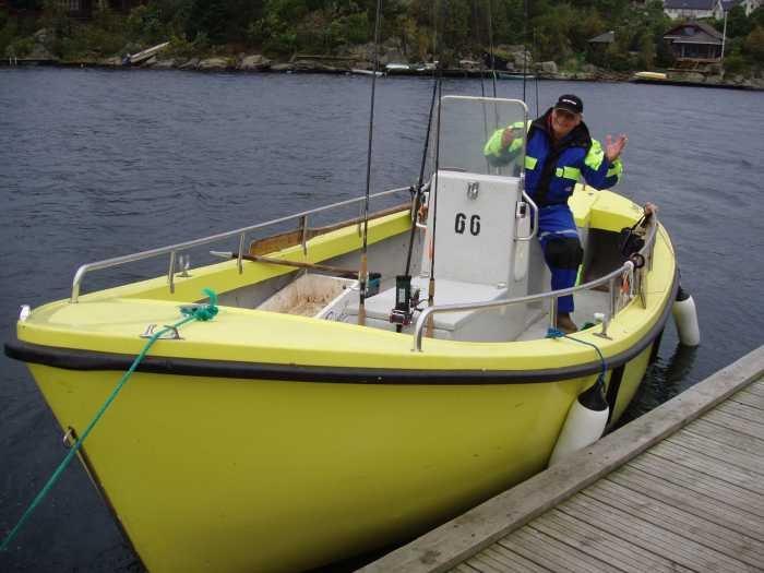 Benzinkutter 21 Fuß / 10-15 PS, 4-Takter mit Echolot (liegt im Hafen von Avik Brygge - ca. 1 km)