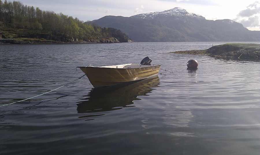 Das Angelboot 15 Fuß/10 PS ist bereist im Hauspreis enthalten