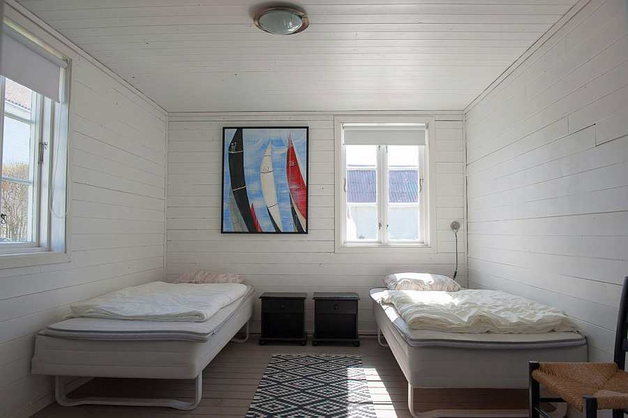 Schlafzimmer 2 mit zwei Einzelbetten (zum Doppelbett zusammenstellbar)