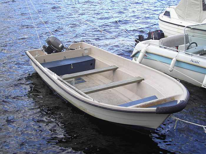 Bereits im Preis enthalten: Angelboot 16 Fuß/15 PS
