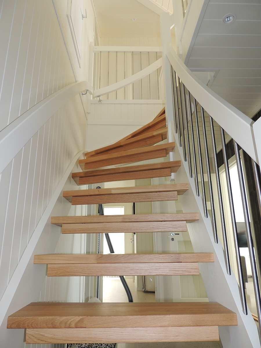 Die Treppe in das Obergeschoß
