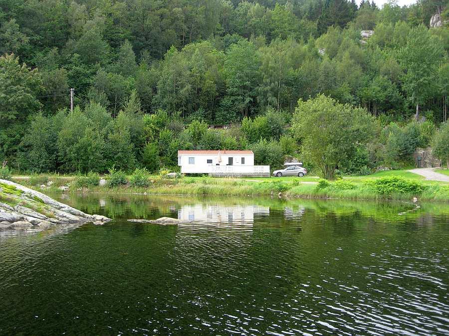 Ferienhaus Nr. 6 - direkte Uferlage mit Platz für bis zu 4 Personen