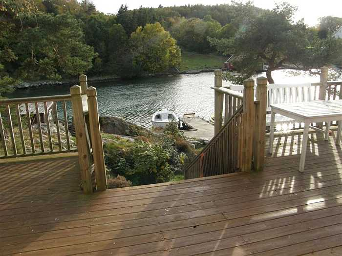 Ihr Ferienhaus ist unmittelbar am Wasser gelegen!