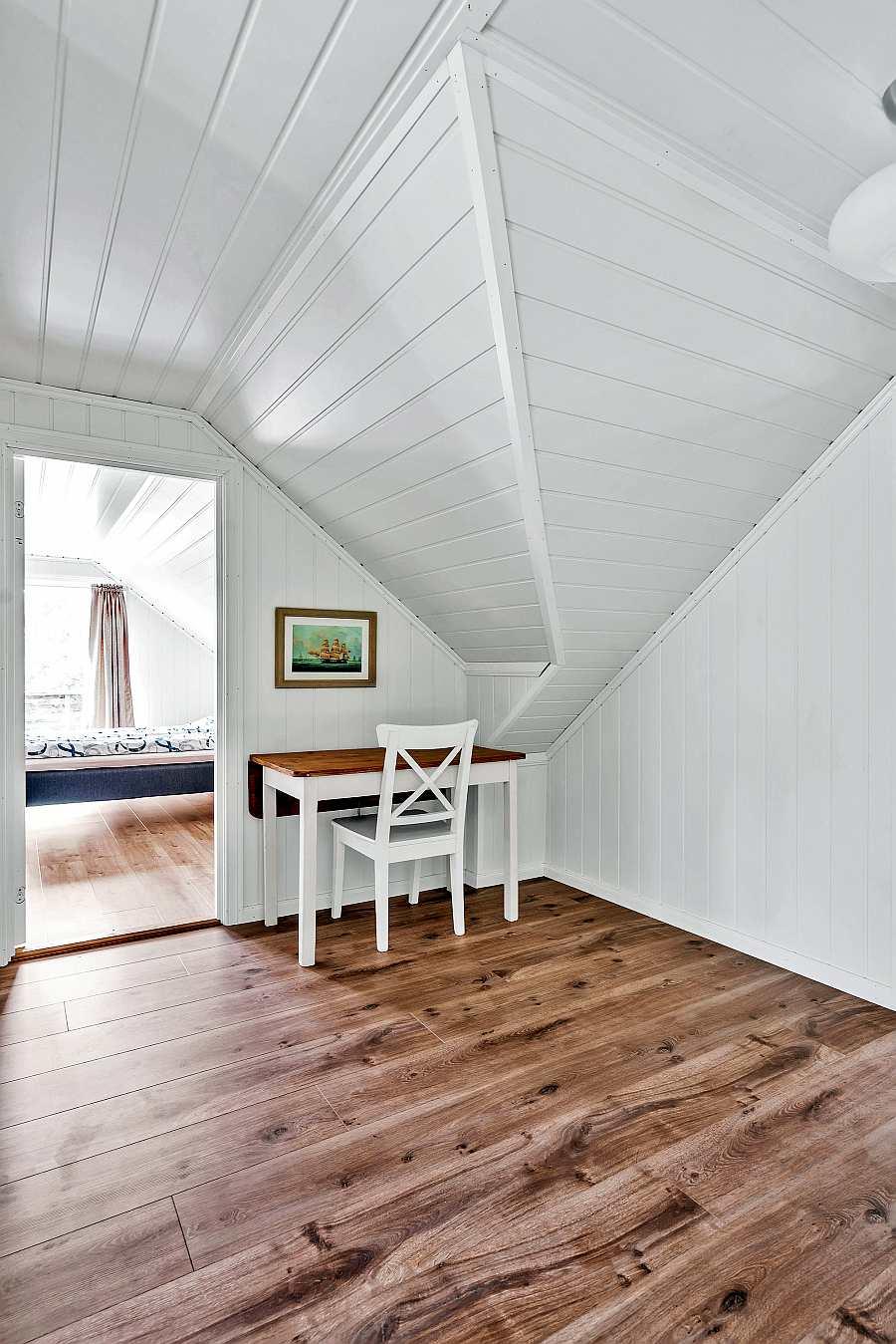 Flur im Obergeschoss mit Zugang zu Schlafzimmern