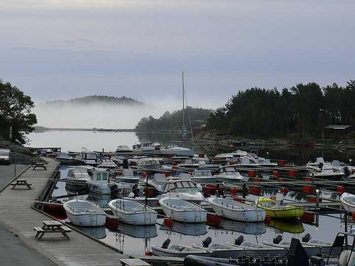 Der Bootssteg des Tregde Feriesenters. Hier sind alle Angelboote Top in Schuss!