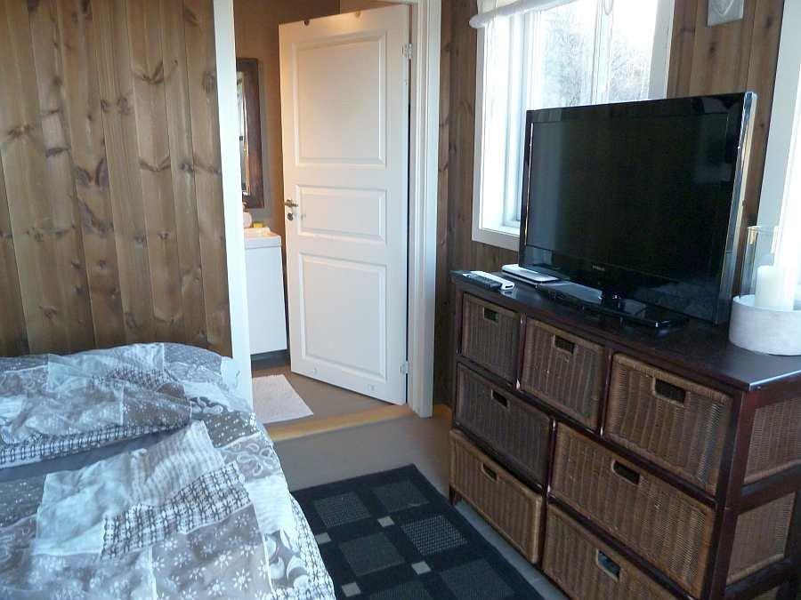 Dieses Schlafzimmer verfügt auch über einen eigenen Sat-TV