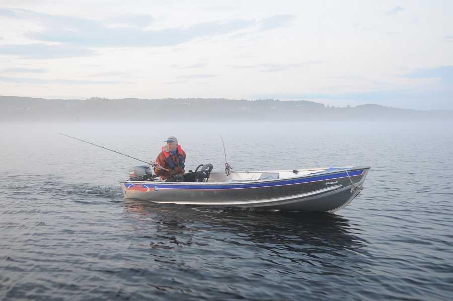 Bereits im Hauspreis enthalten - Alu-Angelboot 14 Fuß/15 PS, 4-Takter