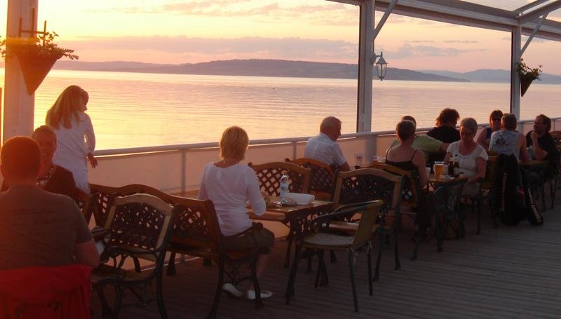 im Boots-Restaurant Viken kann man schöne Stunden am Abend verbringen...