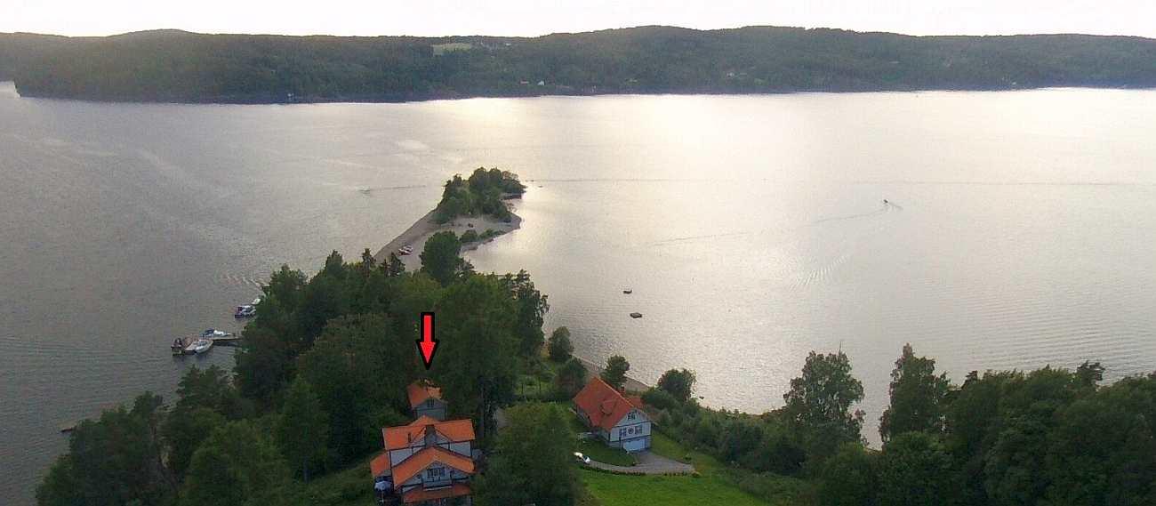 Die Lage des Ferienhauses Havestua auf der Landzunge 'Sandstangen' am See Øyeren