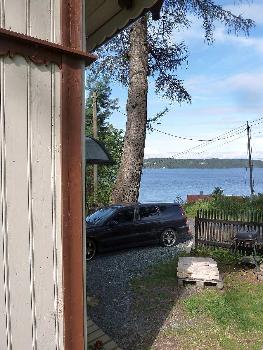Blick vom Hausgrundstück auf den See Øyeren