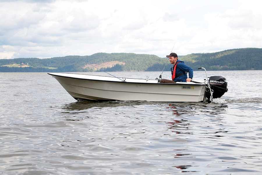 Angelboot 15 Fuß/8 PS, 4-Takter - eines ist bereits im Hauspreis enthalten, ein weiteres kann zusätzlich gebucht werden